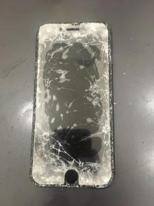 iPhone ガラス破損