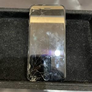 全く画面がつかないiPhone8
