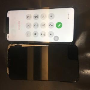 iPhone Xs 画面交換修理完了