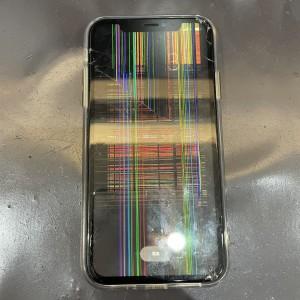 iPhone XR 縦線びっしりでタッチもできない💦