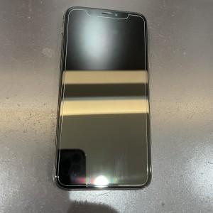 iPhone修理以外にもガラスフィルムなどの販売貼り付けも!!!