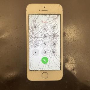 iPhone SE 画面修理 四条河原町 iPhone修理