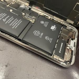 iPhoneバッテリー交換 バッテリー膨張